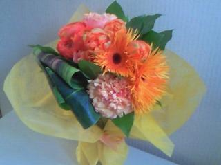 オレンジ系の花束