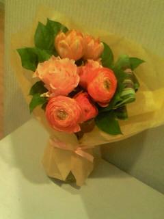花束、まだまだ輝いてます!